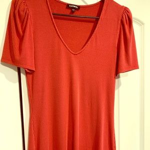 Fitted top with ruched sleeves